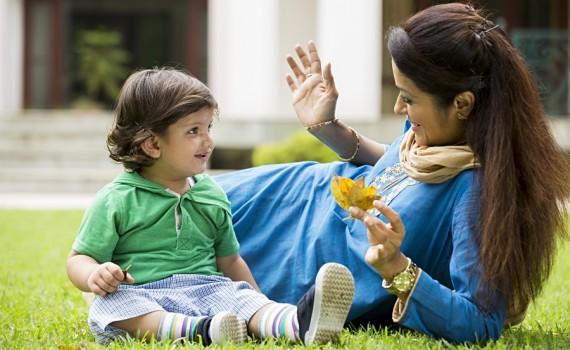 बच्चे को बोलना सिखाने के 7 मददगार तरीके