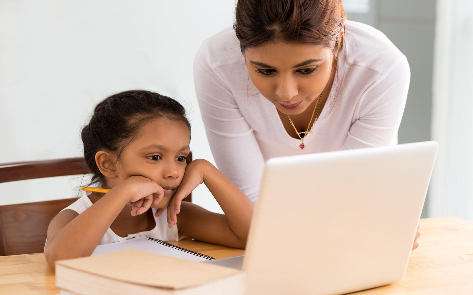 گوگل کریں '' بچوں کے تعلق سے معلومات آن لائن '''