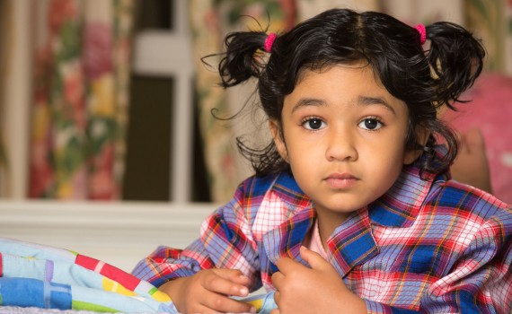 ٹروما پر قابو پانے میں بچے کی مدد کریں