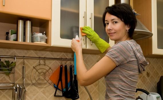سے بچنے کے لیے باورچی خانے کے بیکٹیریا صاف کریں