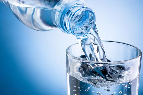 ایک گلاس پانی ذیابطیس کا خطرہ کم کرتا ہے